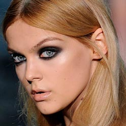 Рок-макияж для серых глаз