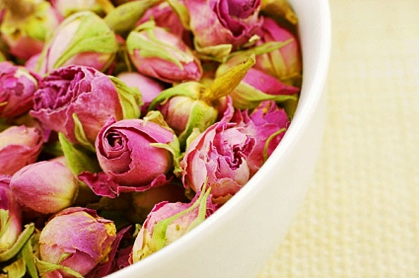 3235526_air-dried-flowers-roses