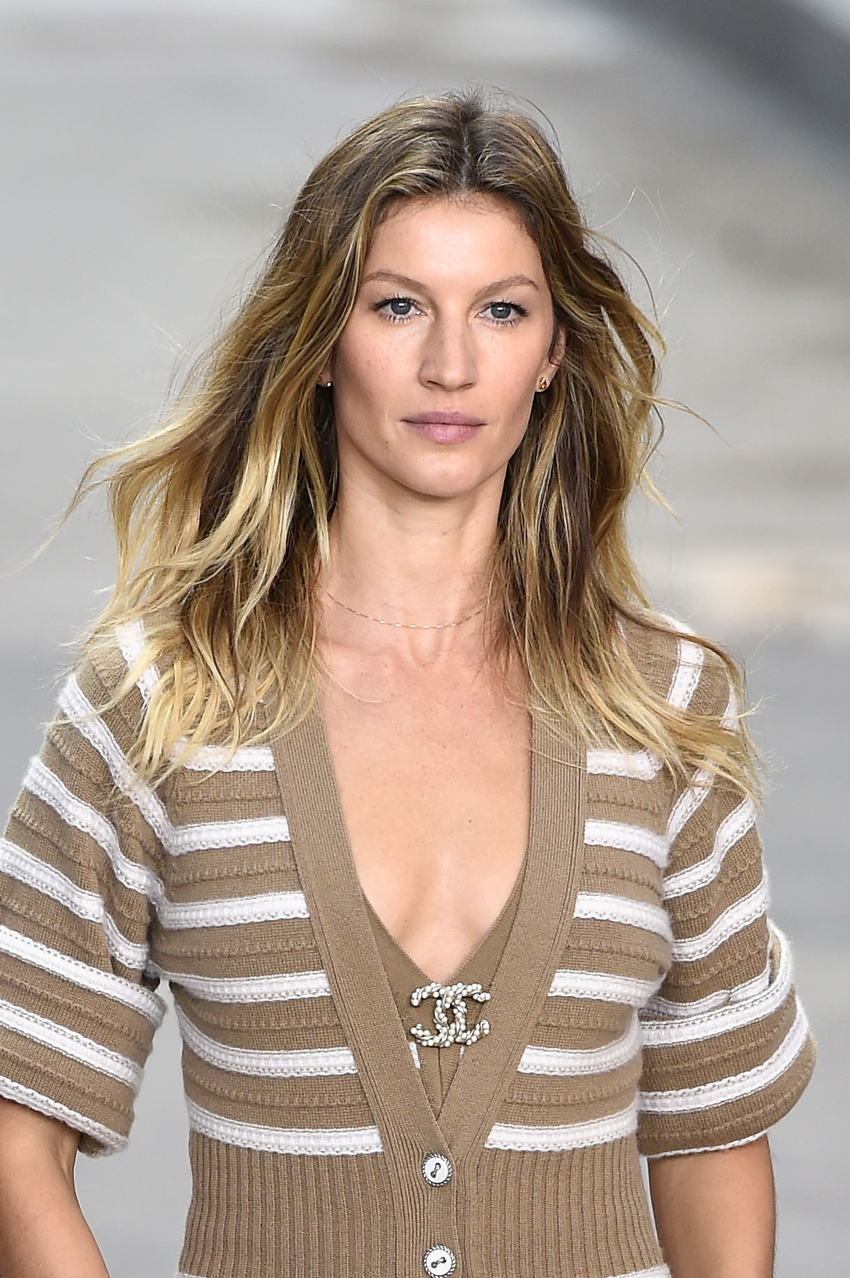 PARIS, FRANCE - SEPTEMBER 30: Model Gisele Bundchen walks the runway during the Chanel show as part of the Paris Fashion Week Womenswear Spring/Summer 2015 on September 30, 2014 in Paris, France. (Photo by Pascal Le Segretain/Getty Images)
