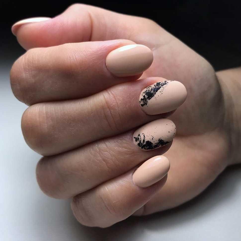 beige-nail-134