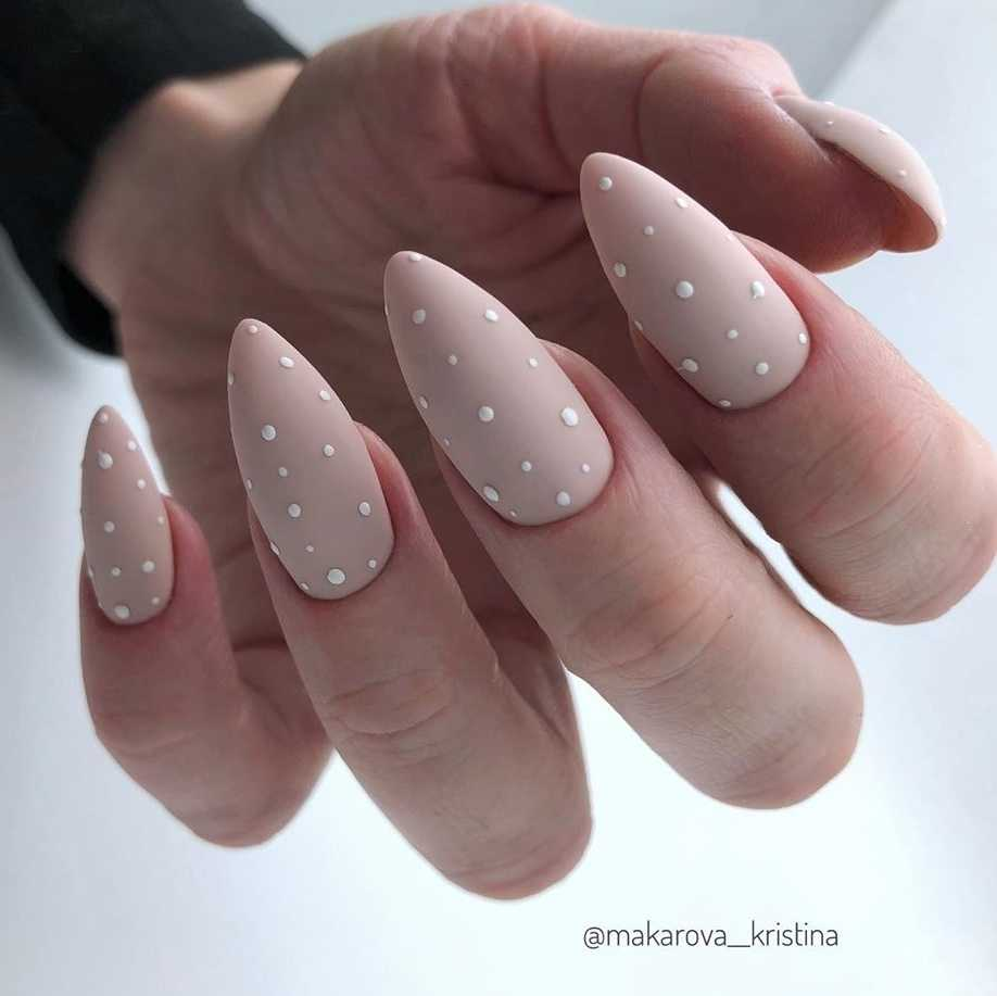 beige-nail-136