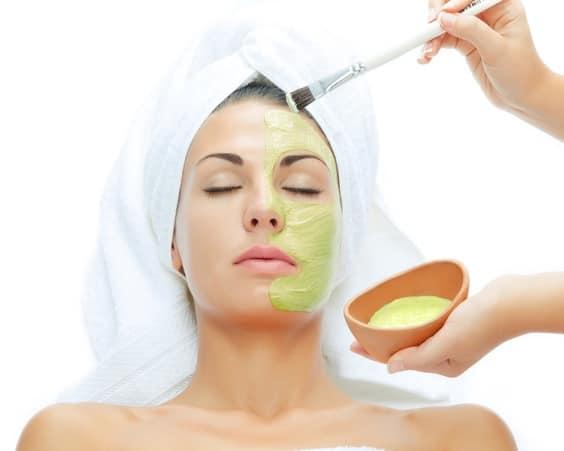 Маска против черных точек поможет очистить кожу