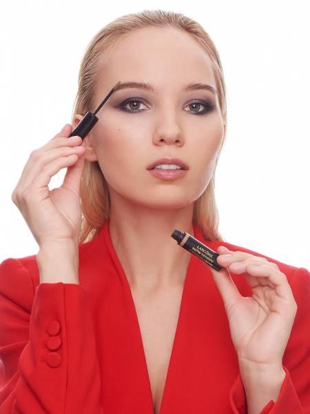 блогер анна бейлис макияж бровей
