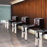 Маникюрные столы в один ряд