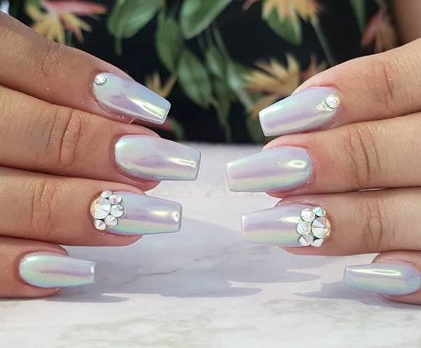 жемужный лак на ногтях балерина
