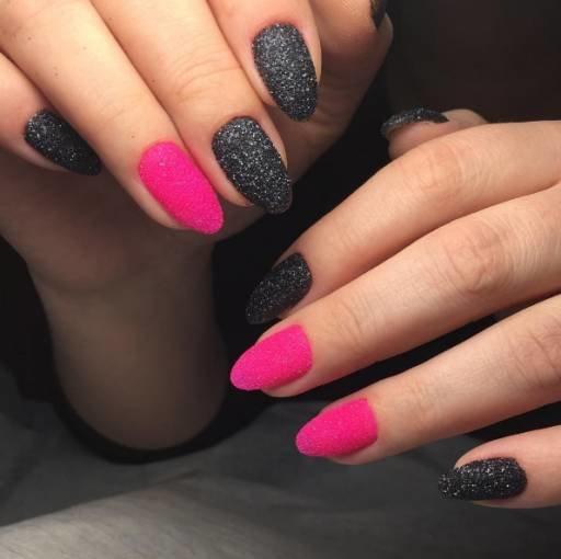 розовые акриловые ногти