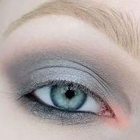Как выбрать тени, подводку и тушь для серых глаз? Секреты дневного макияжа