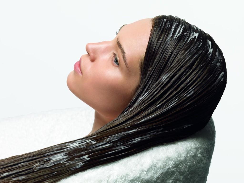 Маска для придания волосам блеска и гладкости: полезные советы и рейтинг лучших