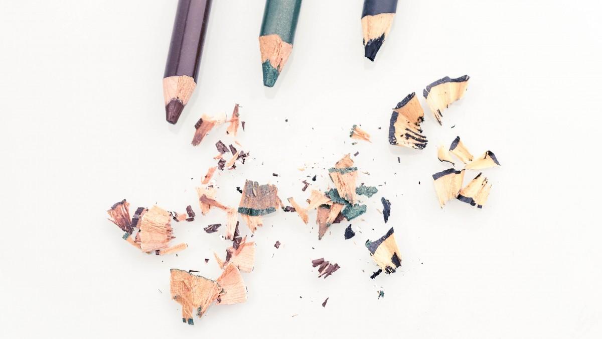 Какой цвет подводки или карандаша для глаз вам подойдет