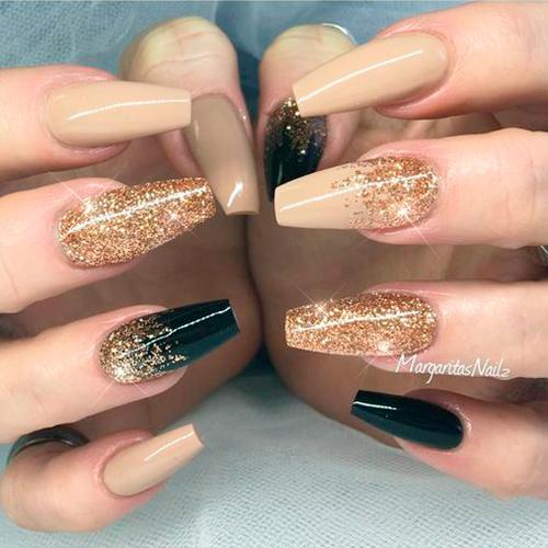 вариант втирки на ногтях