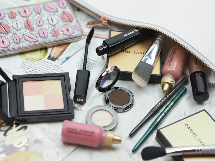 как правильно сделать макияж в домашних условиях пошаговое фото мне 55 лет