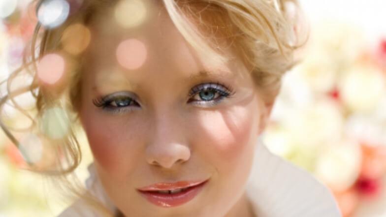 Макияж для серо-голубых глаз и светлых волос