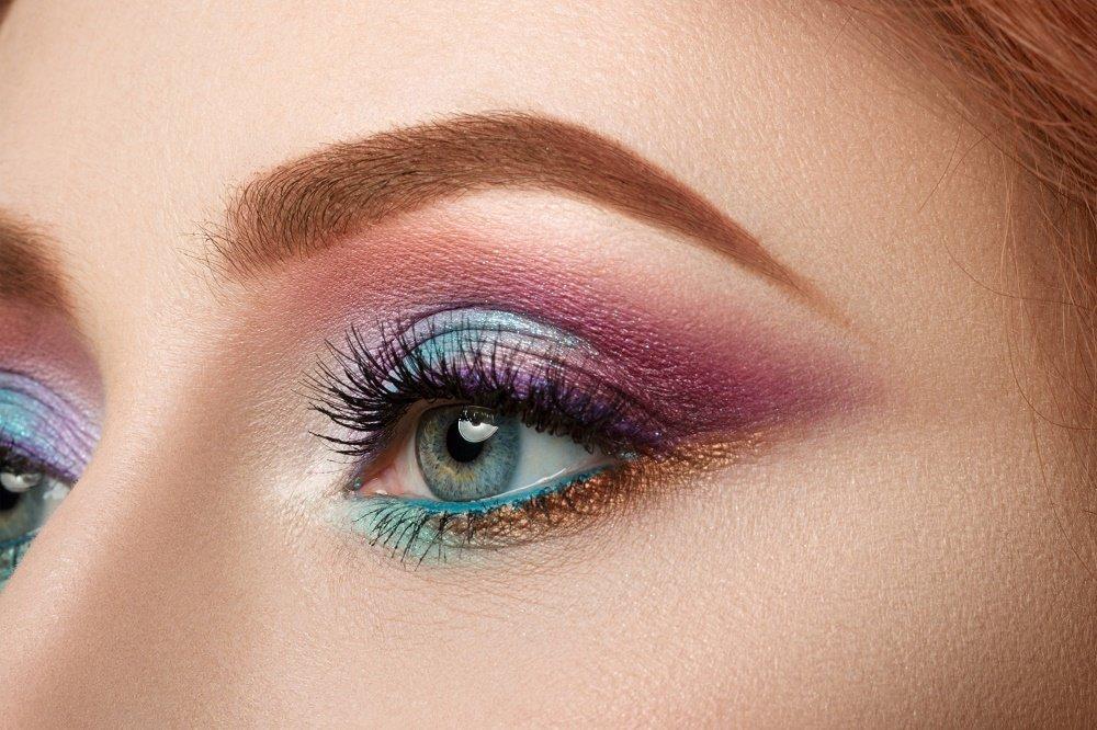 kak-pravilno-nanosit-makijazh-na-lico_ (53)