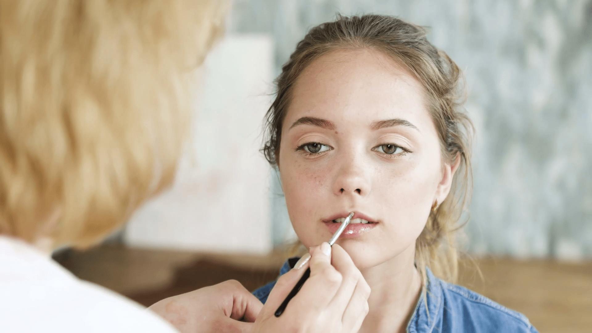 Основы макияжа девушки от 15 до 19 лет