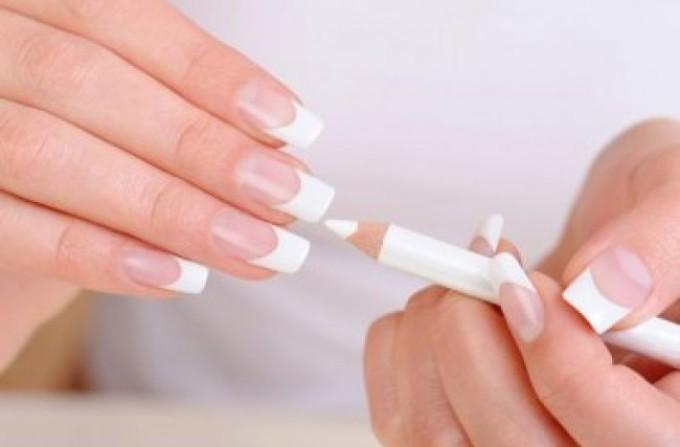 Карандаш для отбеливания ногтей.