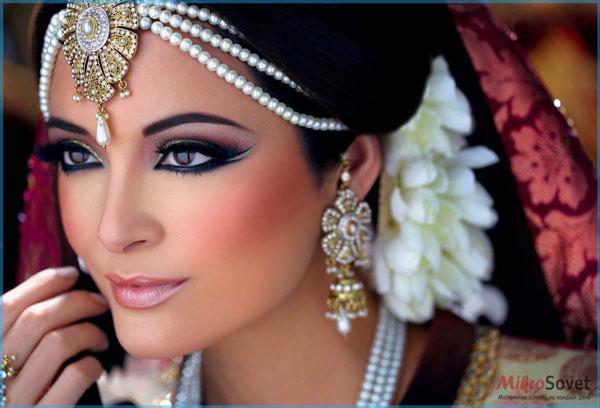 Фото: Восточный или арабский макияж для карих глаз