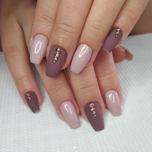 розовые ногти балерина