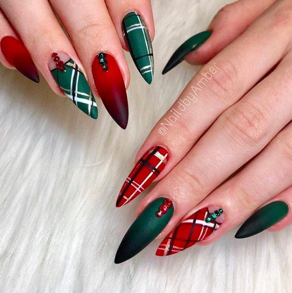красно-зеленые ногти стилетто