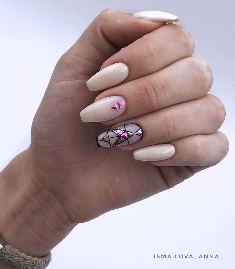 Изумительная форма ногтей «балерина» в сезоне 2020-2021: модный дизайн, идеи, техники