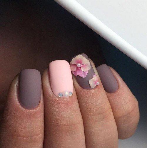 Красивый маникюр со стразами: дизайн ногтей со стразами - фото новинки