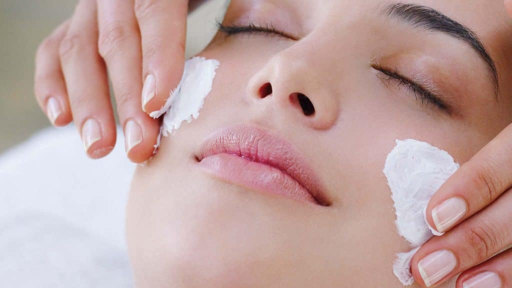 Процедура отбеливания кожи