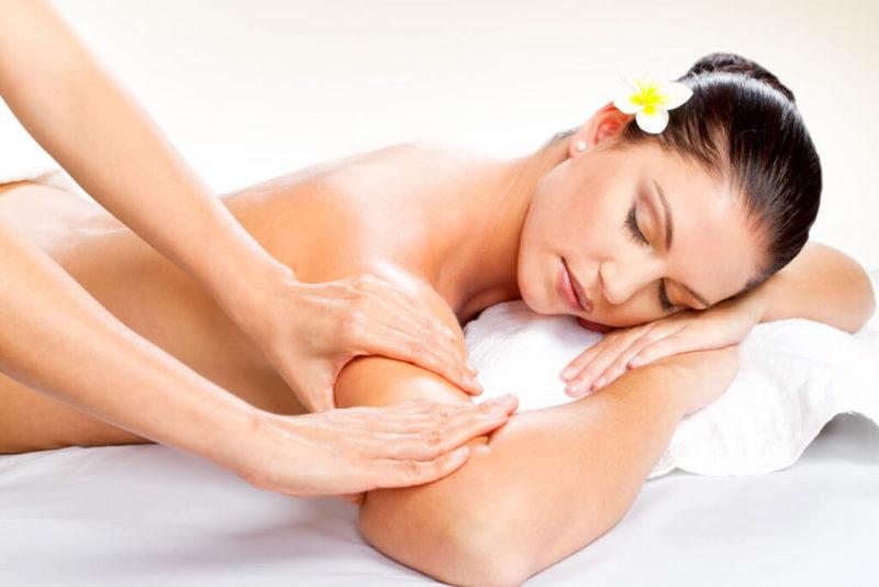Техника проведения массажа для похудения без инструментов