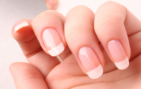 фото - ногти девушки