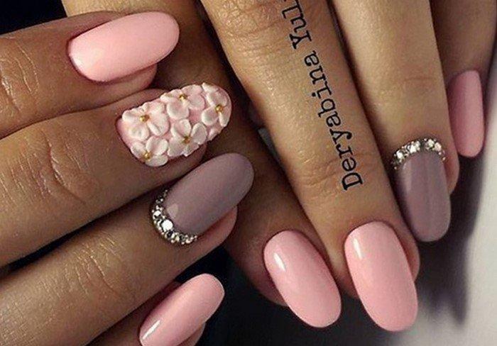 лепка и стразы на ногтях