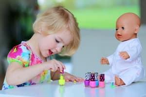 Какой выбрать лак для детей грызущих ногти