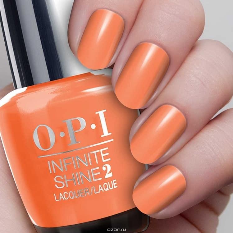 Оранжевый лак для ногтей