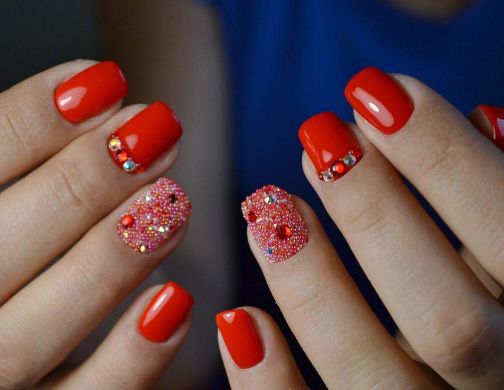 Полное покрытие ногтя бульонками