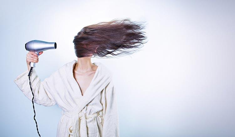 повреждение волос феном