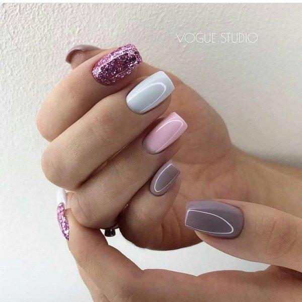 Праздничный дизайн ногтей с блестками 2020-2021: самый шикарный маникюр на фото