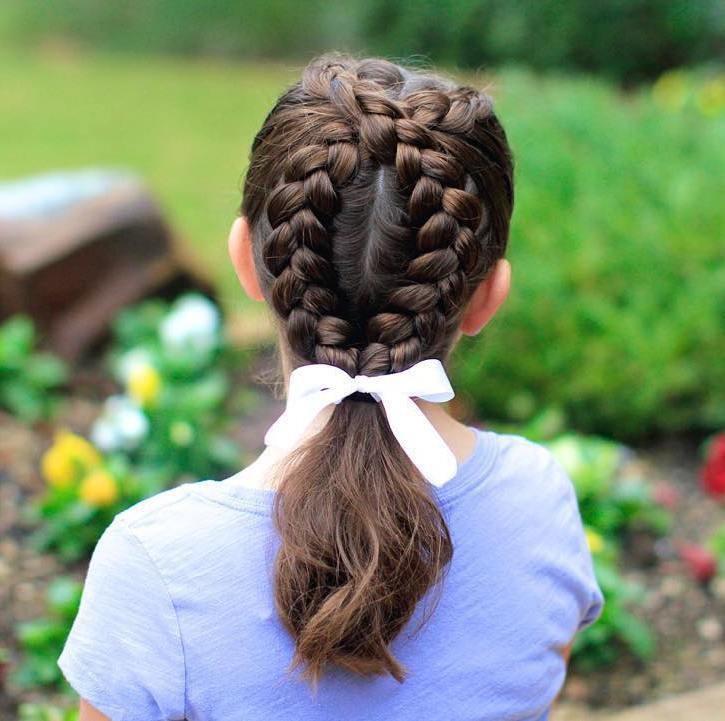 Модная причёска «Конский хвост» на 1 сентября на длинные волосы фото
