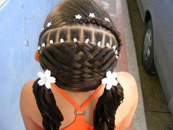 прическа хвостики на 1 сентября на длинные волосы фото