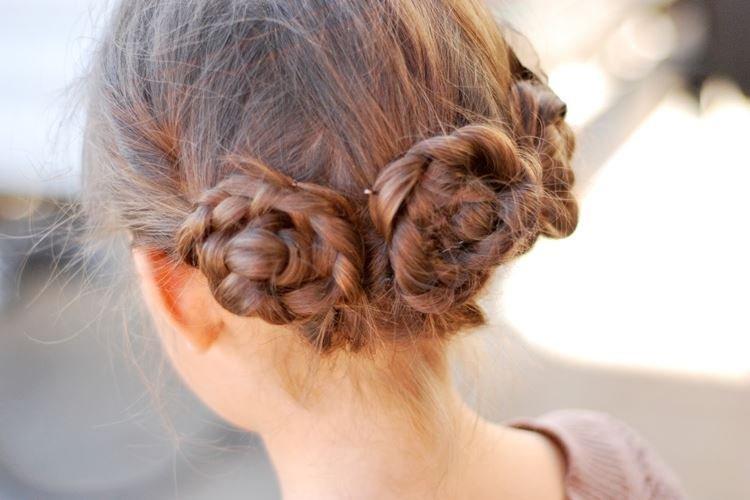 Пучки из косичек - Прически на средние волосы для девочек