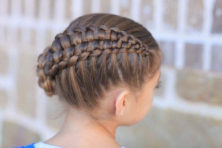 Сложное плетение - Прически на средние волосы для девочек