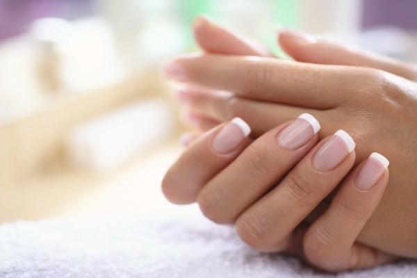 Почему пожелтели ногти на руках