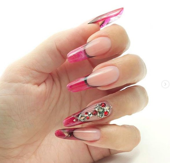 розовые ногти пайп