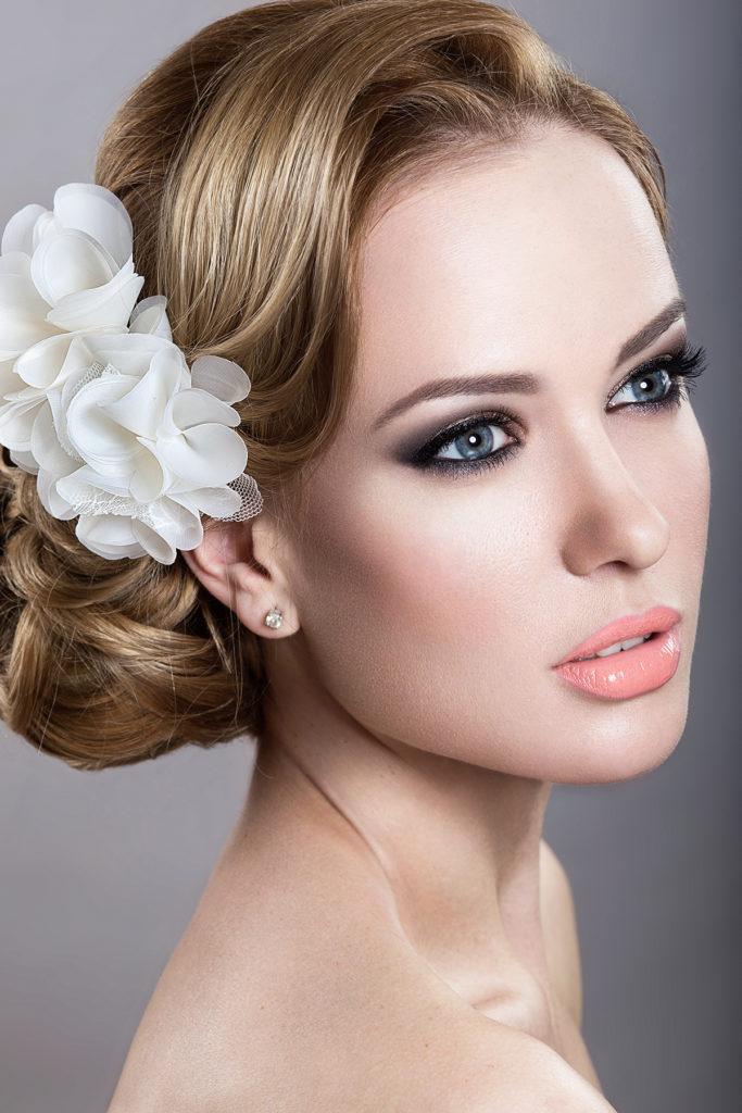 Свадебный легкий макияж