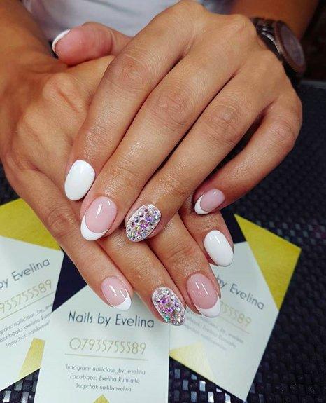 рисунки на белых ногтях