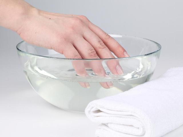 Ванночка для укрепления ногтей