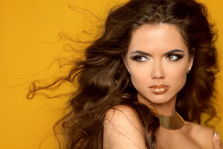 Which hair color is suitable for brown eyes13