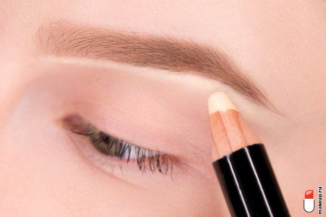 макияж бровей тенями