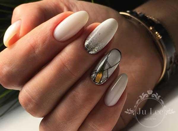 Золотистый маникюр фото на длинных ногтях